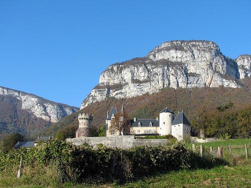 Liste des châteaux de la Savoie — Wikipédia.