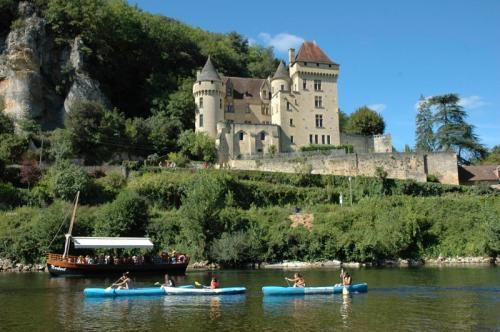 Gite rental Perigord La Roque Gageac for 12 personnes.