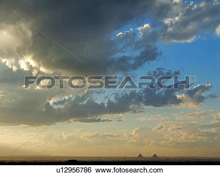 Stock Images of Egypt, Giza, Pyramids, Sky u12956786.