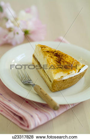 Pictures of Chiboust cake on plate u23317828.