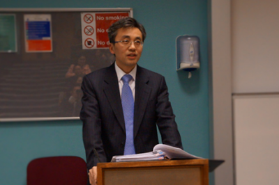 Minister Zhu Qin of the Chinese Embassy in the UKDelivers a Speech.