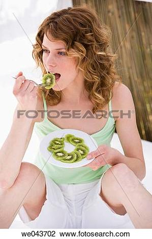 Stock Photo of Chinese Gooseberry, Curly hair, 20's we043702.