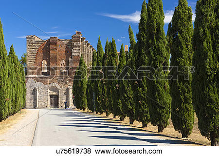 Pictures of Italy, Toscana, Chiusdino. Ruins of the Cistercians.