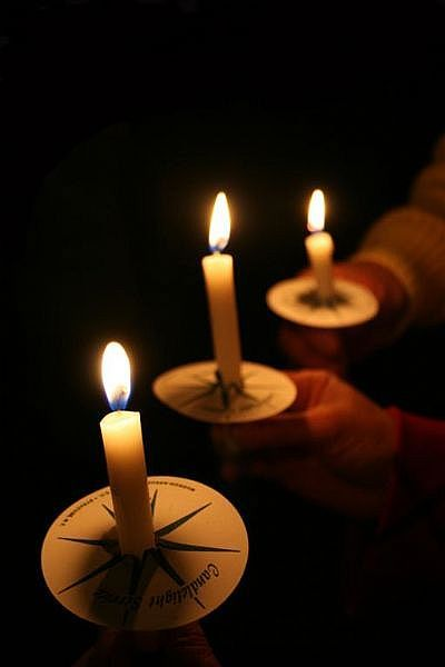 34 best images about Candlelight Service on Pinterest.