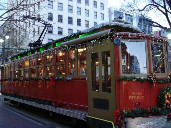 Christmas Trolley cruisin' Main Street in downtown Memphis.
