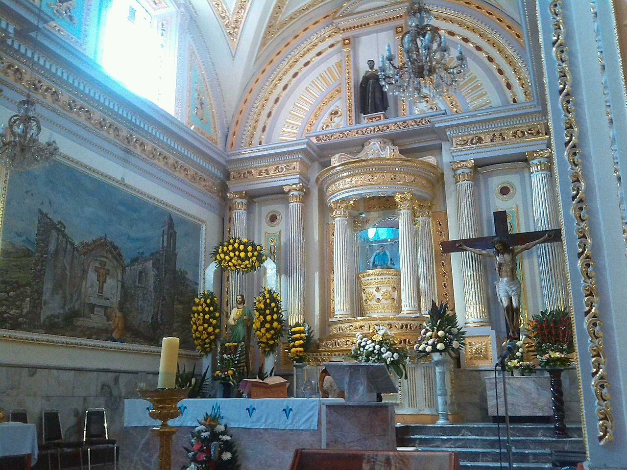 File:Interior Iglesia de Tepeaca.jpg.