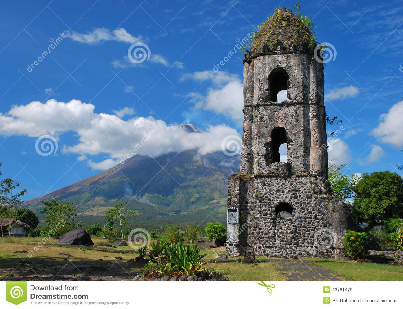 Cagsawa Church And Mayon Volcano Royalty Free Stock Images.