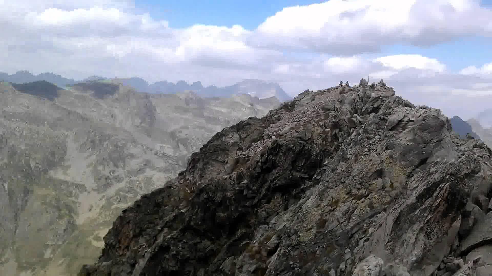 Rocca Dell'Abisso più alianti al colle di Tenda.