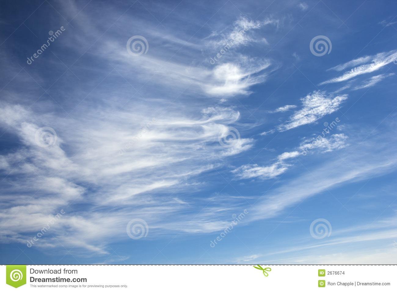Cirruswolken Im Blauen Himmel. Stockbilder.