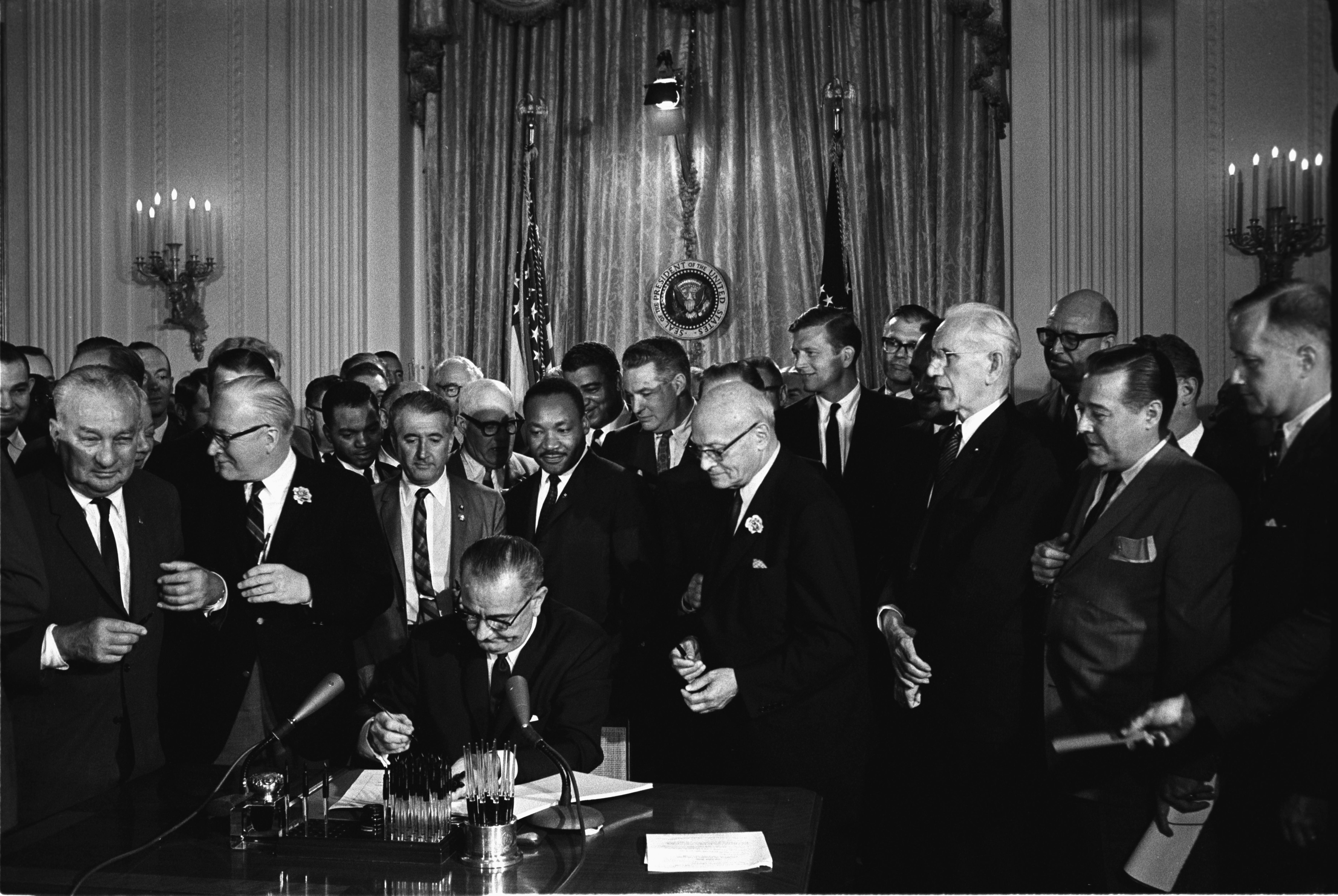 File:Lyndon Johnson signing Civil Rights Act, July 2, 1964.jpg.
