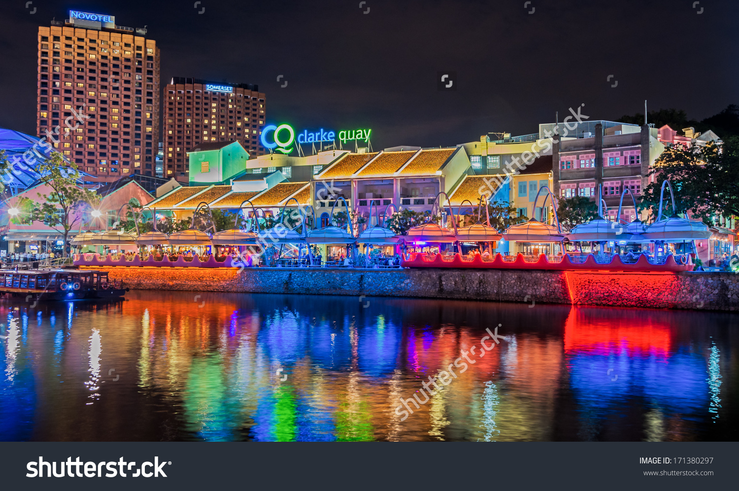 Singapore January 15 Colorful Light Building Stock Photo 171380297.