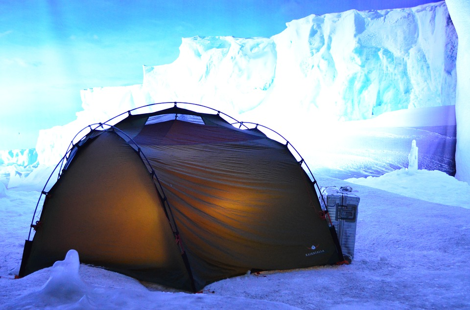 Free photo Cold Tent Icy Frosty Winter Arctic Climatehouse.