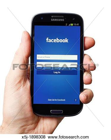 Pictures of Facebook app on the Samsung Galaxy S3 x5j.