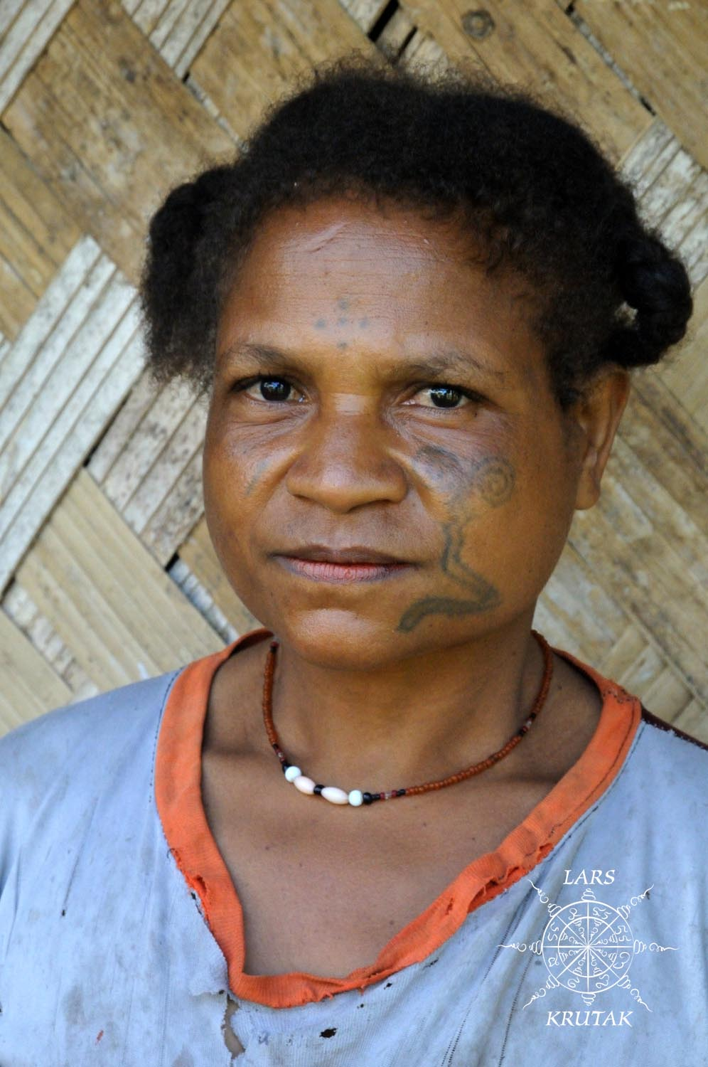 THORN HIT: MANAGALASE TATTOOS OF PAPUA NEW GUINEA.