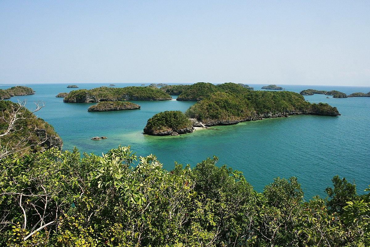 Hundred Islands National Park.