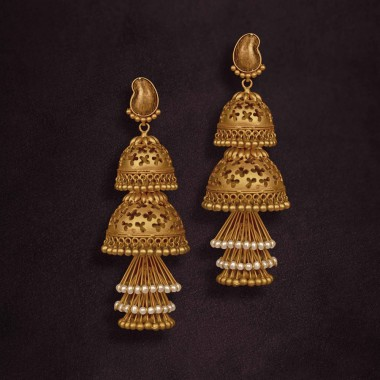 Buy Gold Earrings Online in Latest 2020 Designs at Best.