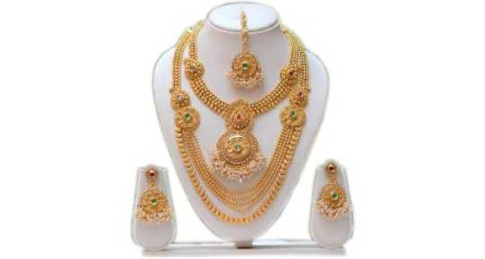 Malabar Gold And Diamonds Jewellery.