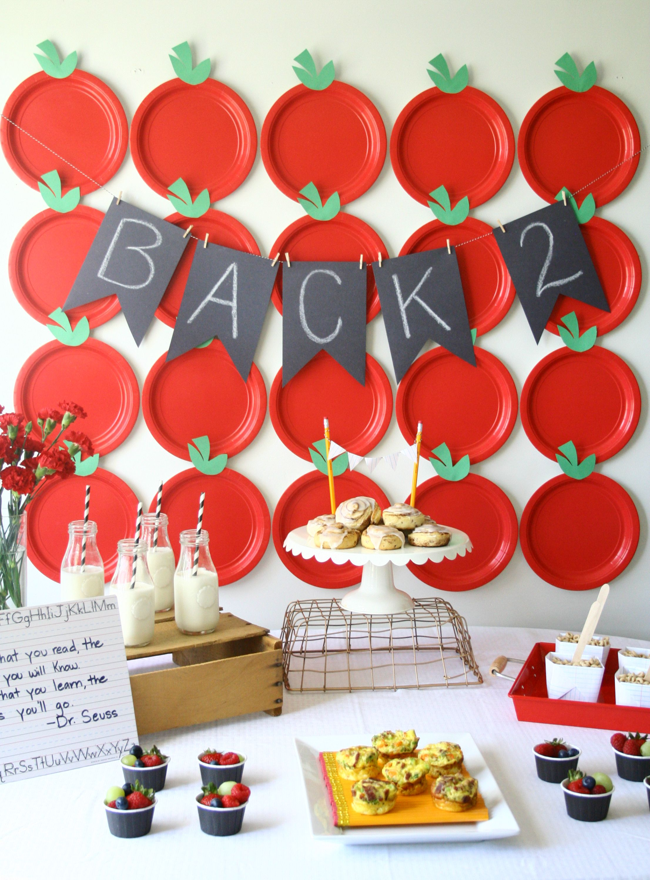 Delicious breakfast party to celebrate back to school with apple.