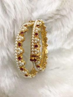 Jewellers bangle designs.
