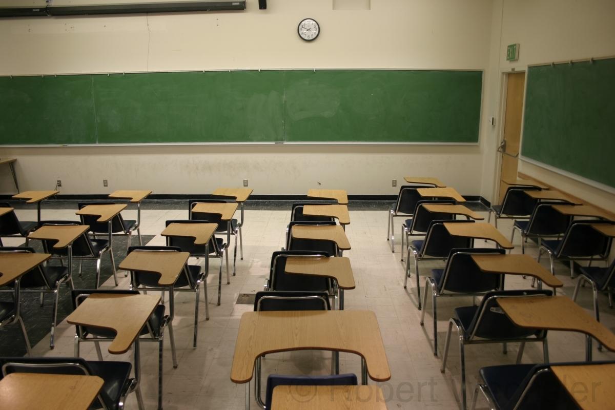 School Desk For Sale : Axiomatica.org.