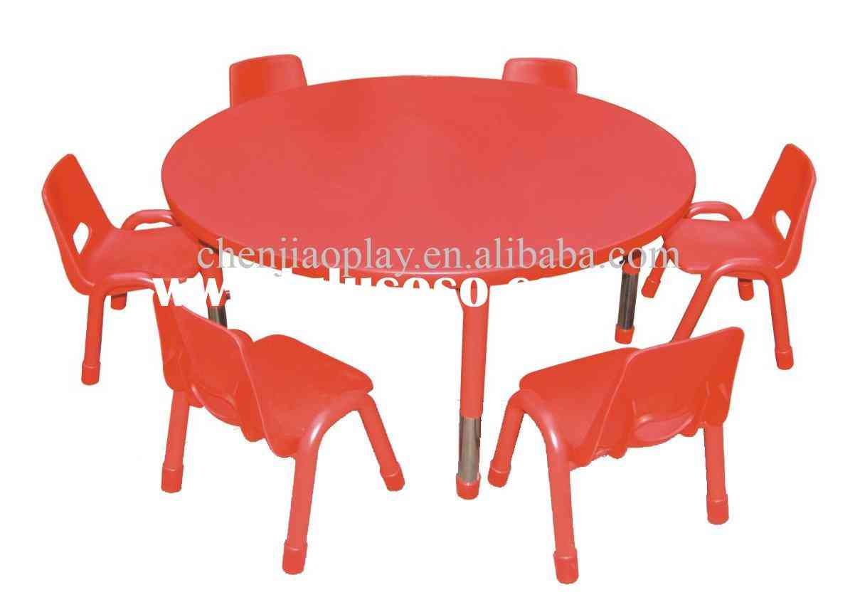 kitchen table and chairs clipart kitchen table and chairs clip art.