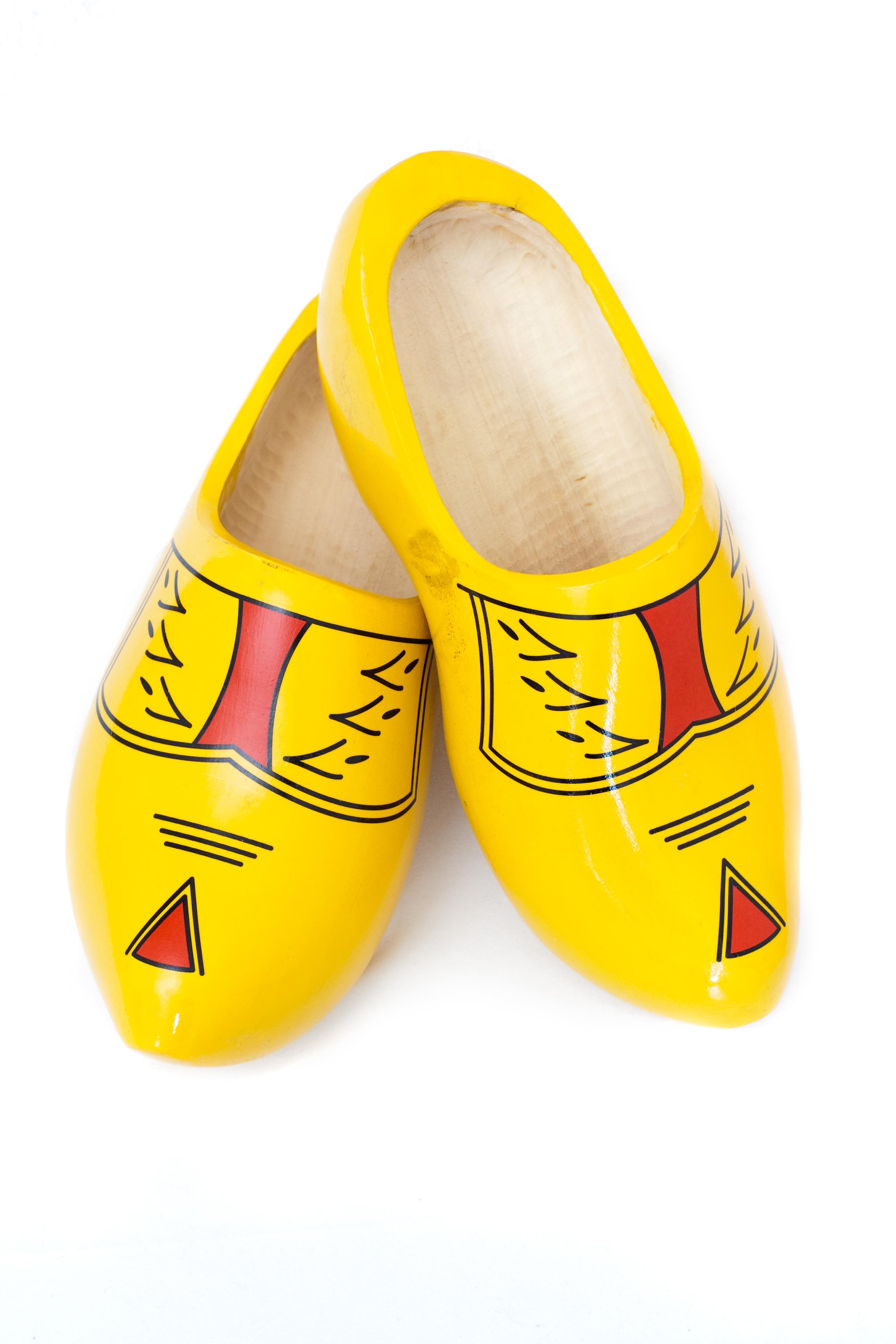 Clipart wooden shoes.