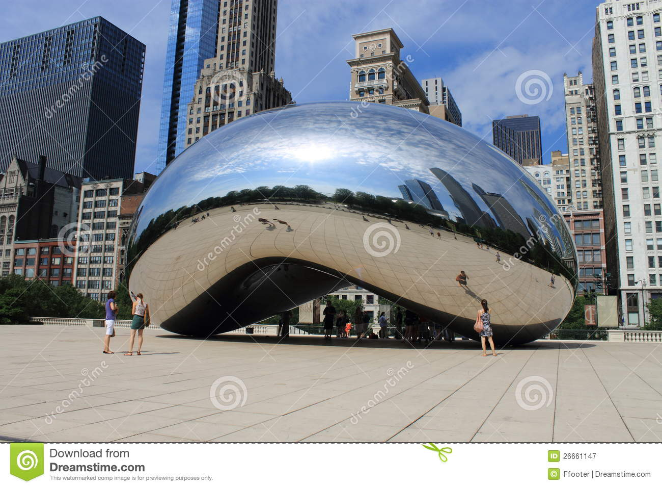 Cloud Gate (The Bean) In Chicago, Illinois Editorial Stock Image.