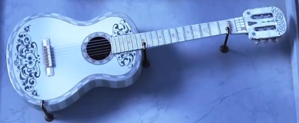 Héctor's Guitar.