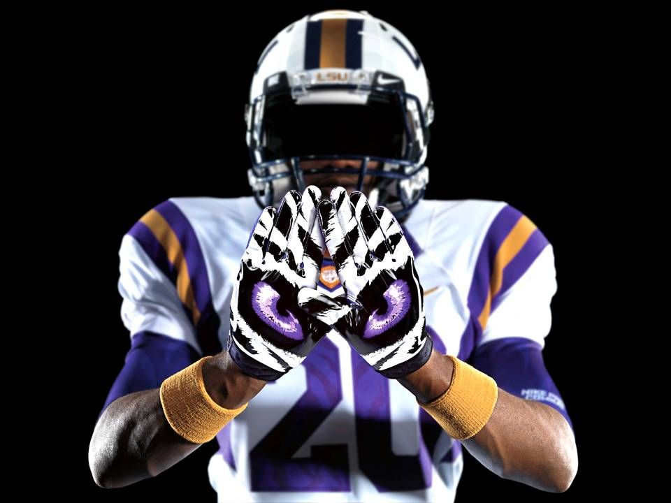 LSU football team to change its stripes with new uniforms.