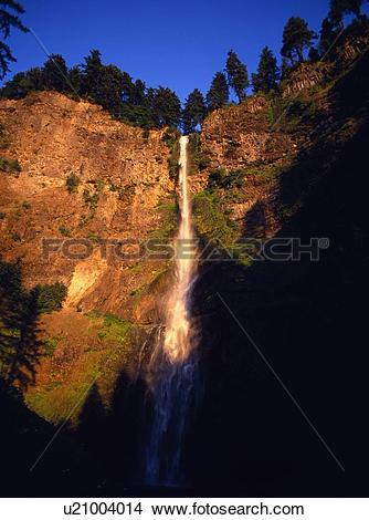 Stock Photo of Multnomah Falls, Columbia River Gorge u21004014.