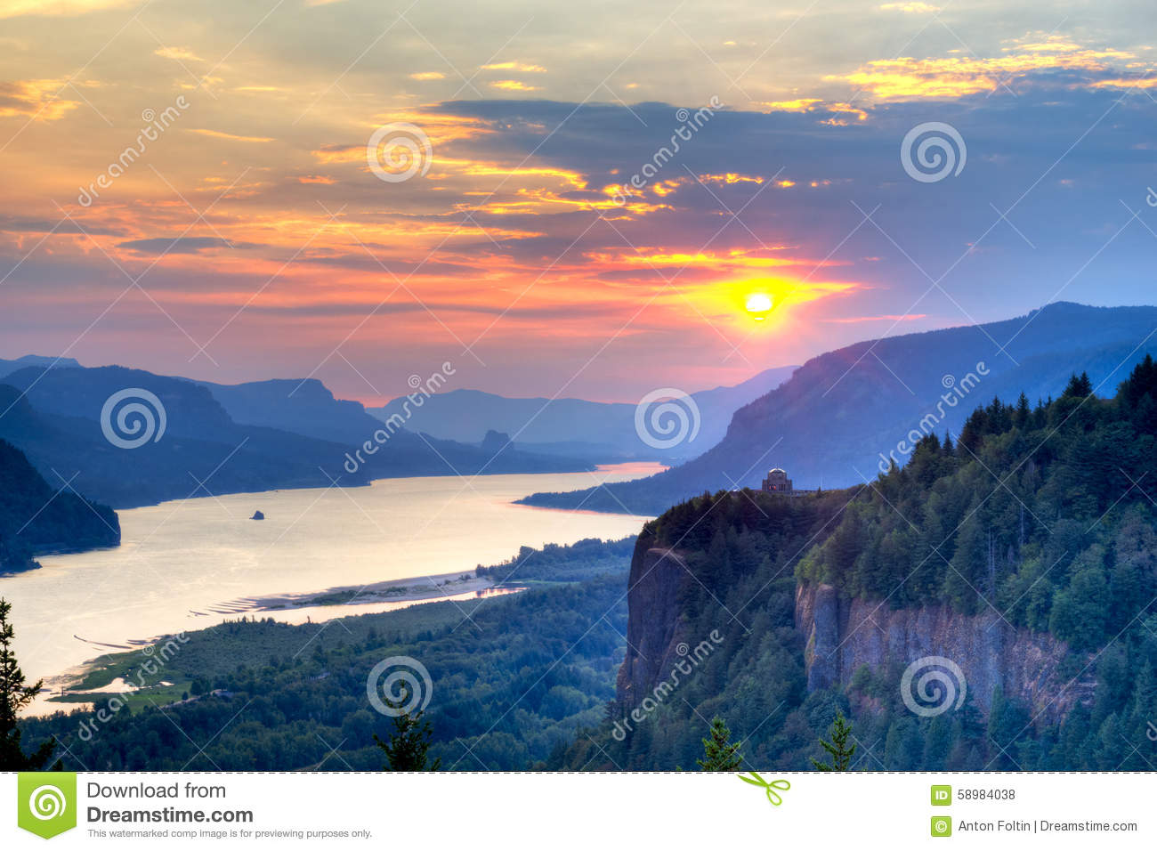 Pink Sunrise Over The Columbia River Gorge Stock Photo.