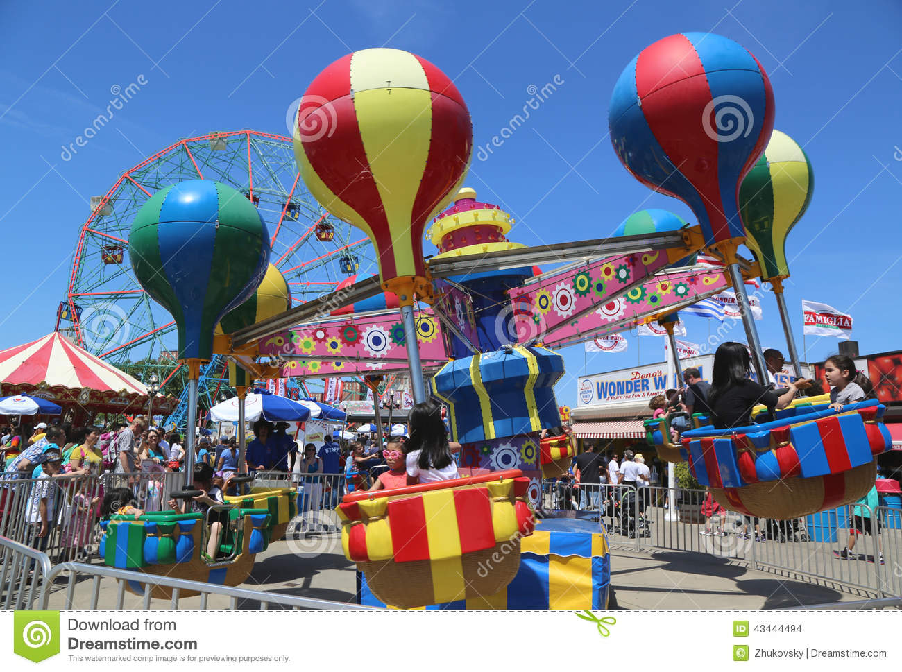 Kids Ride At Coney Island Luna Park Editorial Stock Image.