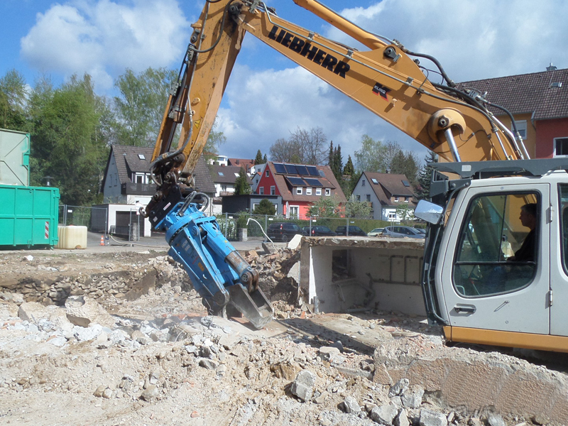 Concrete crushers / demolition shears HCM.