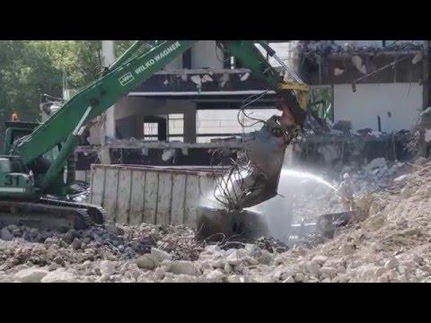 Excavator and demolition car Becker Düsseldorf becomes Karolinger.