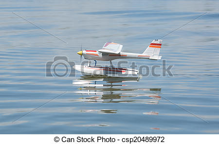 Picture of RC Hydroplane landing on water.