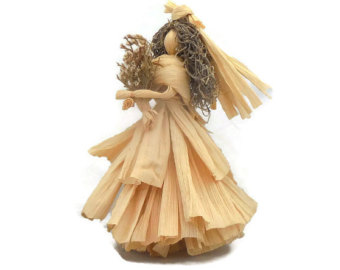 Tree Top Corn Husk Angel Table Decoration by ArtDollsNaturally.