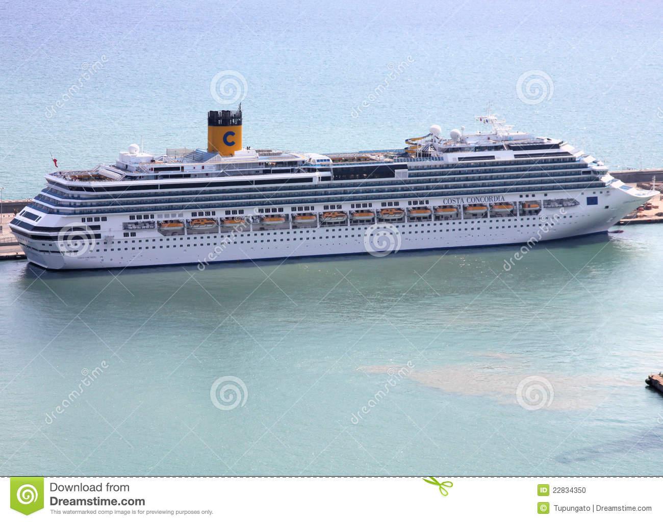 Sinking Cruise Ship Costa Concordia Editorial Stock Image.