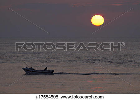 Pictures of England, Norfolk, Cromer, A crab fishing boat heading.