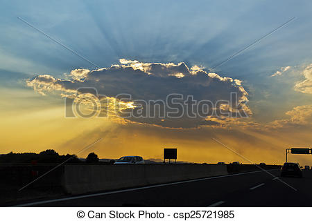 Pictures of Crepuscular rays.