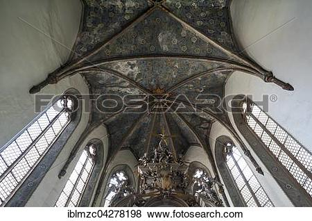 Pictures of Chancel with cross vaults, below Baroque high altar.