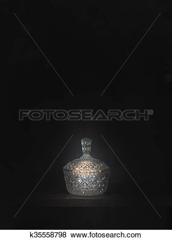 Pictures of Crystal bowl with lid k35558798.