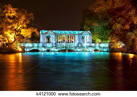 Stock Photography of Guilin: Crystal bridge. k4121000.