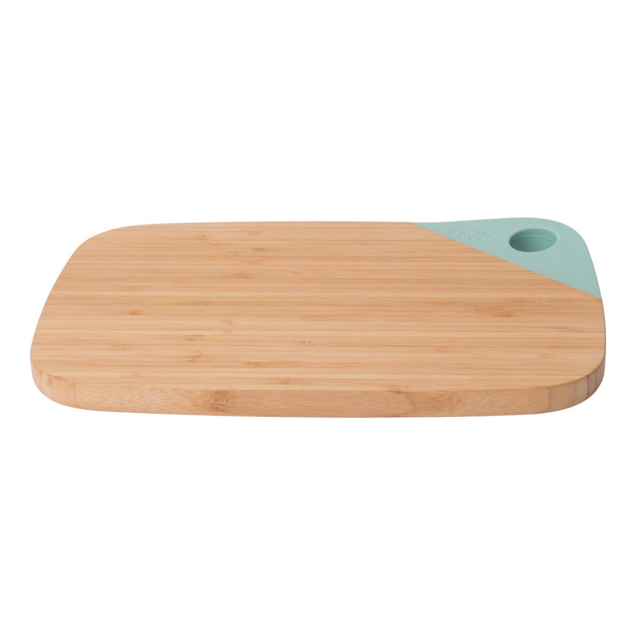 Bamboo cutting board 28 x 20 cm.