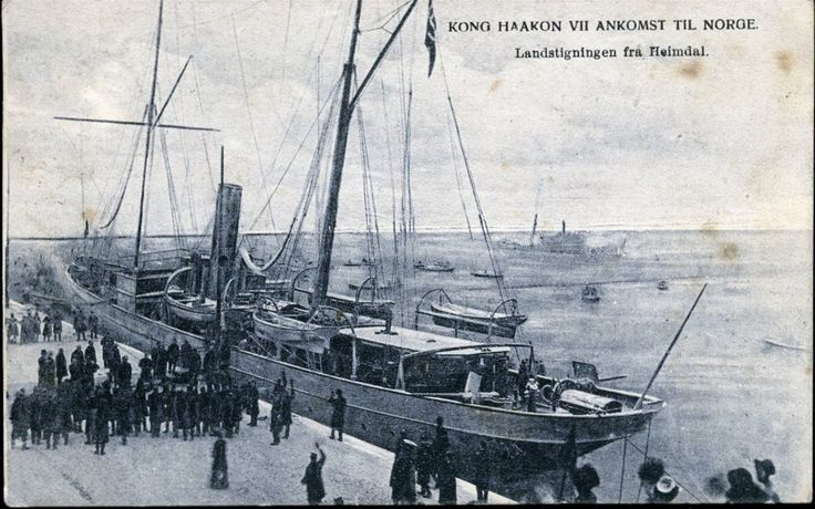 Kong Haakon VII's ankomst til Christiania Norge med Heimdal 1905.