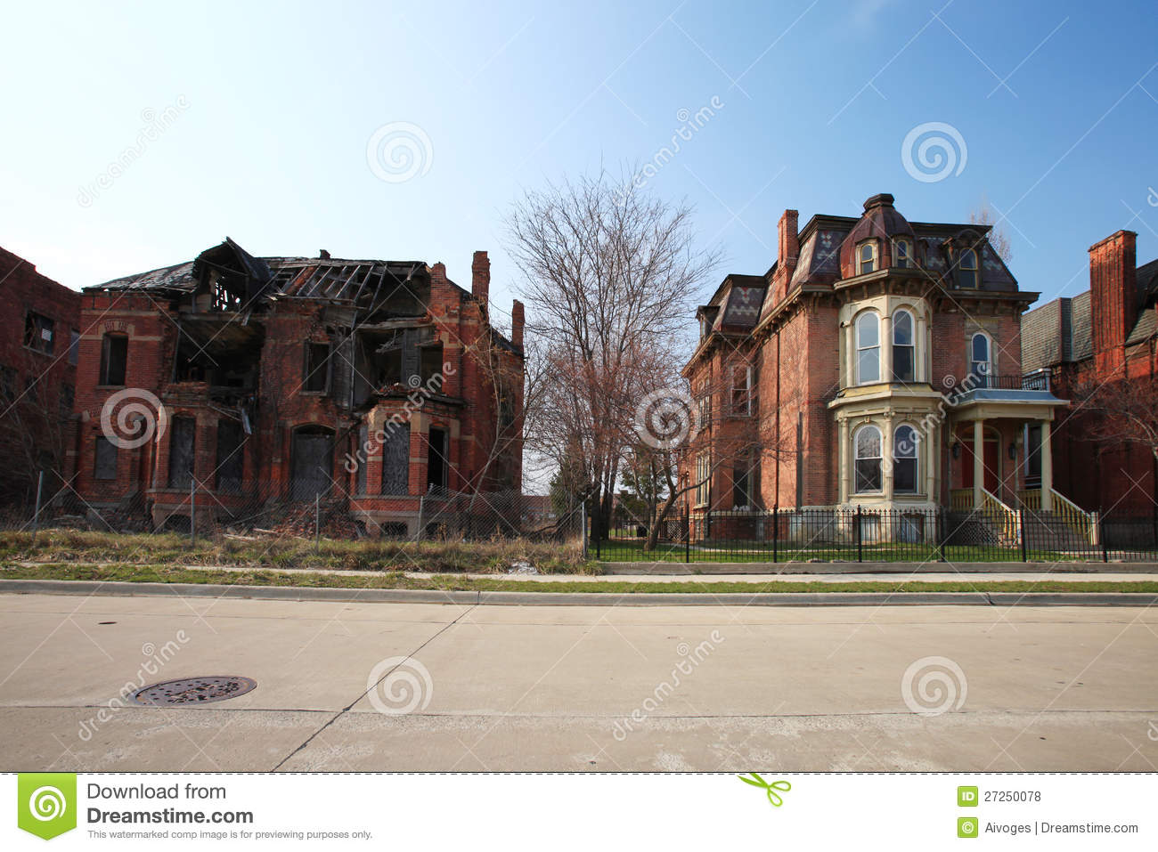Decaying Residential Houses In Detroit, Michigan Royalty Free.