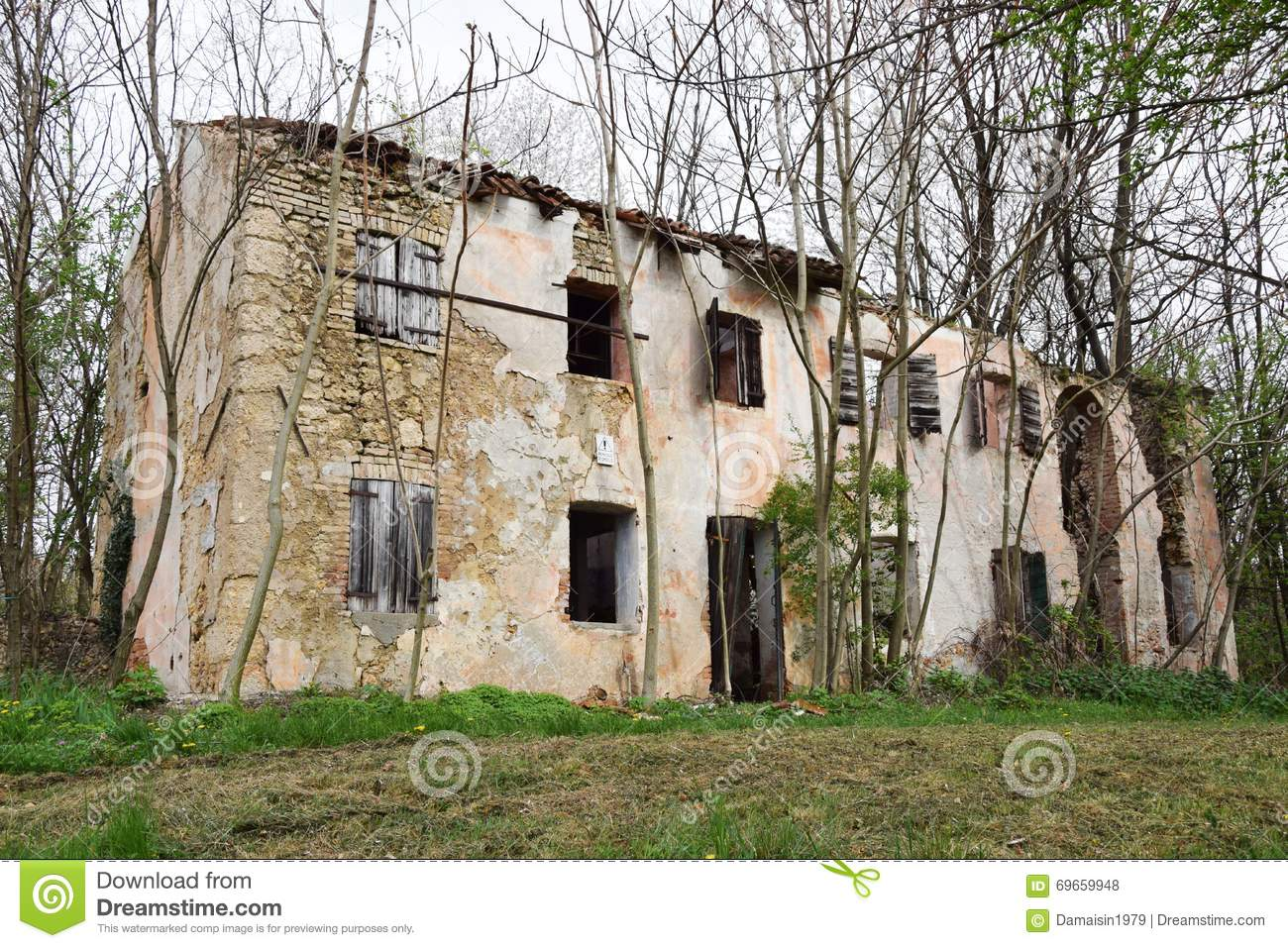 Decayed House In North Italy Stock Photo.