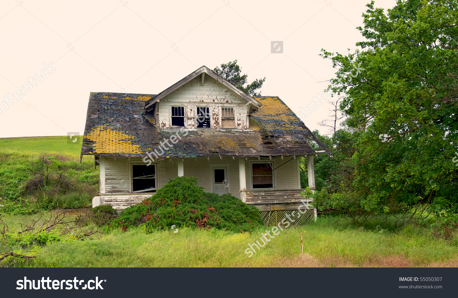 Abandoned Decaying Farm House Middle Wheat Stock Photo 55050307.