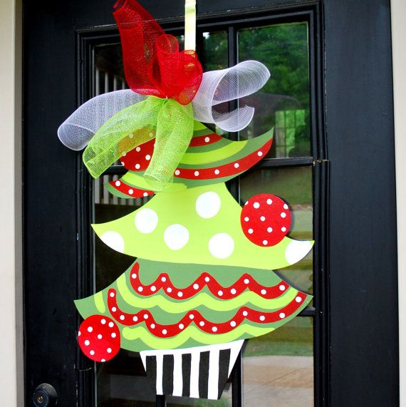 Christmas Classroom Decoration Printables ~ Decorated door clipart clipground