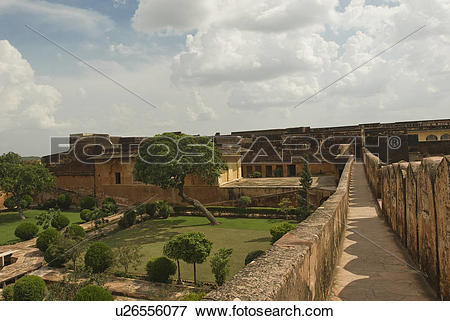 Picture of Walkway along defensive wall of a fort, Jaigarh Fort.