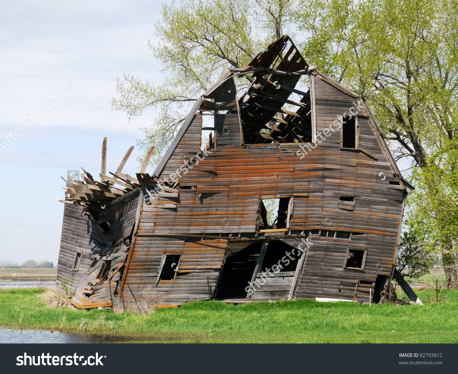 Dilapidated Farm Building Barn Stock Photo 82793812.